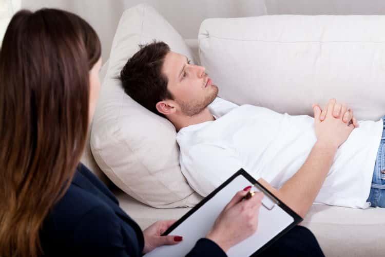Ύπνωση: Τι πρέπει να γνωρίζετε πριν αποφασίσετε να κάνετε Υπνοθεραπεία